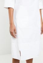 AMANDA LAIRD CHERRY - Zinhle tunic dress - white