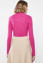 Jacqueline de Yong - High neck pullover - pink