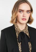 Vero Moda - Ylva long sleeve blazer - black