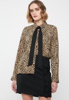 Vero Moda - Katrine bow shirt - black & beige