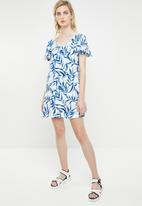 MANGO - Ruffled sleeve dress - blue & white