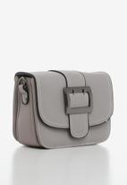 STYLE REPUBLIC - Buckle detail slingbag - grey