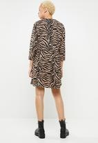 Missguided - Jersey zebra half sleeve smock dress - brown & black
