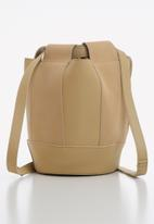 Superbalist - Uma bucket bag - beige