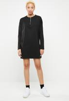Missguided - Oversized zip front ls T-shirt dress - black