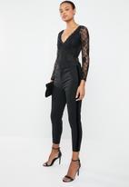 Vero Moda - Victoria mr velvet rib ankle pants - black