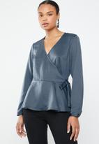 Vero Moda - Florence wrap top - blue
