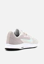 Nike - Downshifter 9 -  platinum tint / teal