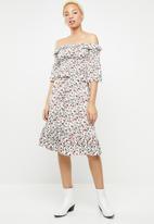 Missguided - Ditsy print midi dress- white