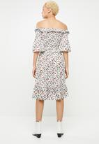 Missguided - Ditsy print midi dress- white
