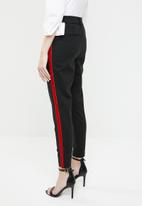 Vero Moda - Victoria Mr Velvet rib ankle pants - black & red