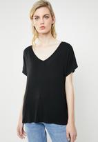 MANGO - V-neck T-shirt - black