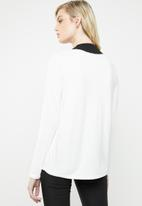 MANGO - Contrast V-neck top -  white