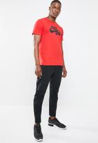 Nike - M NSW tee just do it swoosh - red & black
