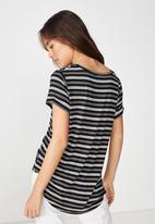 Cotton On - Karly short sleeve V-neck tee  - black