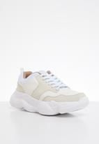 Missguided - Extreme sole trainer - white
