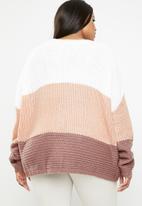 Missguided - Curves colour blocks stitch jumper - pink & white