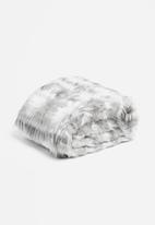 Linen House - Merle faux fur throw - grey