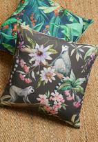 Grey Gardens - Midnight lemur cushion cover - black