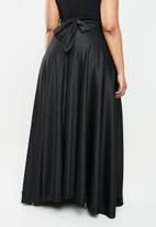 Plus-Fab - Wrapped skirt - black