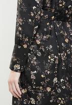Jacqueline de Yong - Long sleeve kimono - black