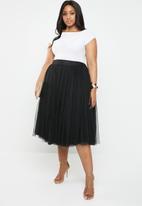 Plus-Fab - Short tulle skirt - black