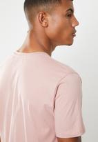 Brave Soul - Harrele longer length tee - pink