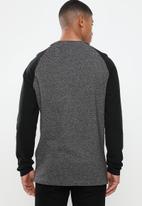 Brave Soul - Kabuto crew neck raglan sweater - black & grey