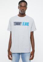 Tommy Hilfiger - Tjm tommy jeans tee - grey