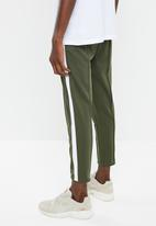 Only & Sons - Owen cropped chino sweatpants - khaki