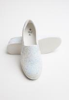 Call It Spring - Faux leather glitter slip-on sneaker - white