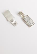 STYLE REPUBLIC - Famke sequin earrings-silver