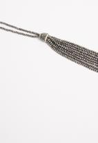 STYLE REPUBLIC - Beaded longer length necklace - charcoal
