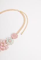 STYLE REPUBLIC - Alexandra statement necklace-multi