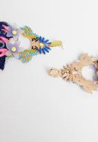 STYLE REPUBLIC - Ruby tassel earrings-multi