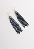 STYLE REPUBLIC - Multi stone drop earrings-navy