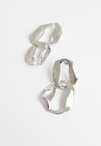 STYLE REPUBLIC - Abstract hoops-silver