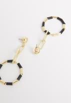 STYLE REPUBLIC - Selma hoop earrings-black/gold
