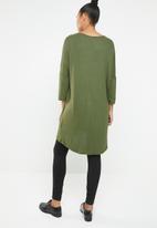 Vero Moda - Paya 3/4 V-neck long top - green