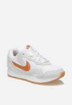 Nike - Delfine -  white/cider orange-gum light brown