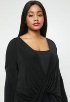 Missguided - Curve drape long sleeve top - black