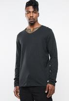 Jack & Jones - Birch regular fit tee - black