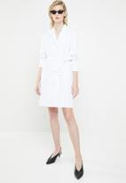 Superbalist - Belted blazer dress - white