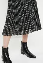 ONLY - Paige life above calf skirt - black & white