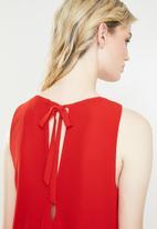 Jacqueline de Yong - Abigail sleeveless top - red