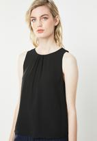 Jacqueline de Yong - Abigail sleeveless top - black