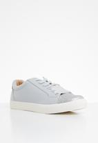 ONLY - Skye glitter toe cap sneaker - grey