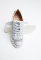 ONLY - Skye glitter toe cap sneaker - grey