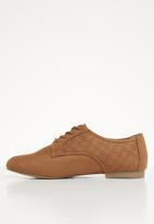 Call It Spring - Laser cut oxford - tan
