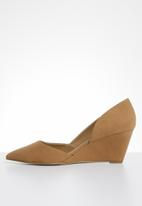 Call It Spring - Wedge heel pump - tan